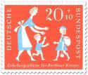 Briefmarke: Berliner Kind mit Reisegepäck (zur Erholung)