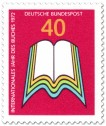 Briefmarke: Aufgeschlagenes Buch (Internationales Jahr des Buches)