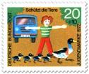Briefmarke: Junge schützt Enten auf der Straße