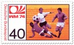 Fussball: Stürmer schießt Ball (WM 1974)