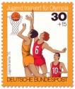 Briefmarke: Jugendliche beim Basketball