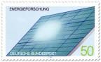 Briefmarke: Solarzellen auf einem Dach, Energieforschung