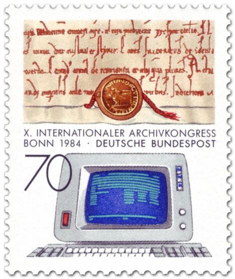 Briefmarke: Urkunde aus dem Mittelalter und Computer