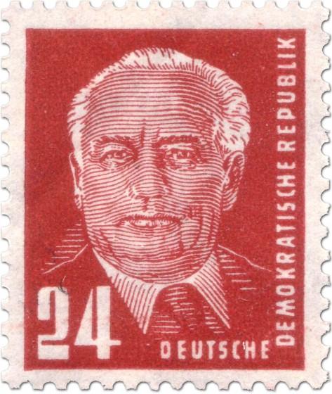 Briefmarke: Wilhelm Pieck rot (24)